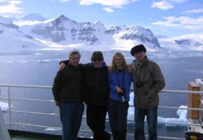 Antony Beevor, John Julius Norwich, Nella Beevor, Jason Cooper. Antartica, December 2006